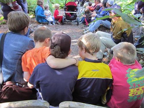 16 SJSF 2015 StoryWalk kids